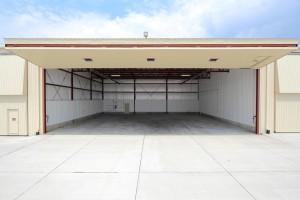 hangar-rental-category-d
