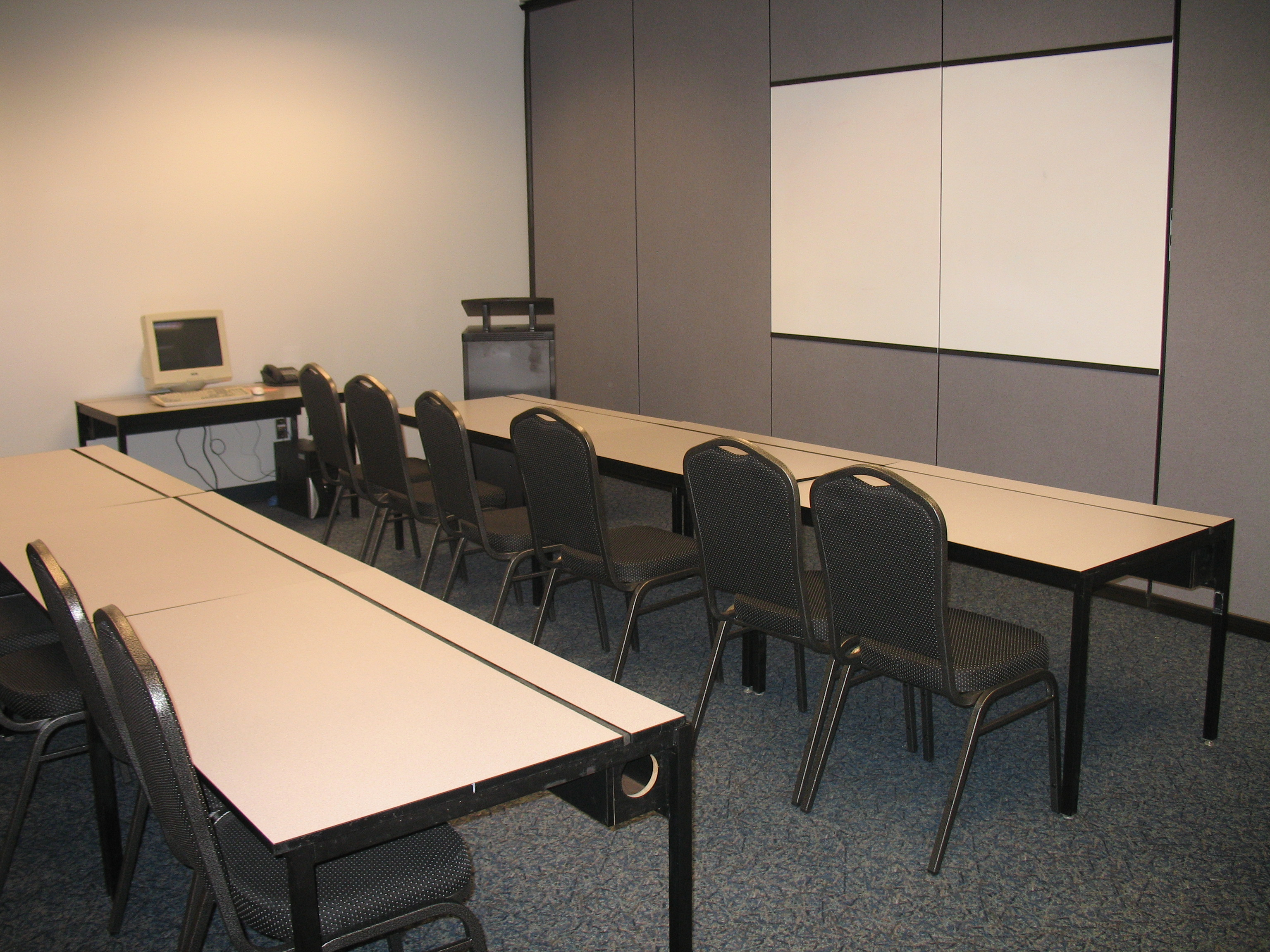 council-bluffs-airport-terminal-conferance-room1